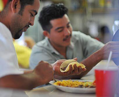 Joel y AdriánJoel Estrada y Adrián Pérez son dos mexicanos que viven des...