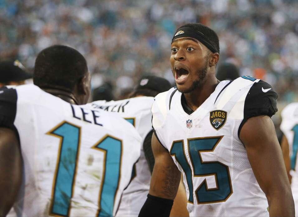 Allen Robinson recibió los dos pases de touchdown de Blake Bortles y los...