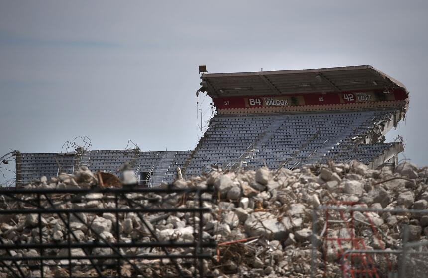La demolición de la excasa de los Gigantes y los 49ers de San Francisco...