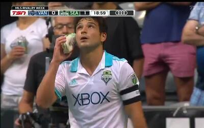 Uruguayo Nicolás Lodeiro abre la cuenta para Seattle desde el punto penal