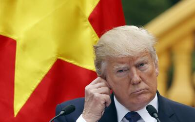 El presidente de Estados Unidos, Donald Trump, durante una conferencia d...