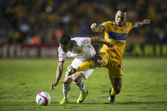 Tigres domina y golea a Toluca en el Volcán 20171021-5502.jpg
