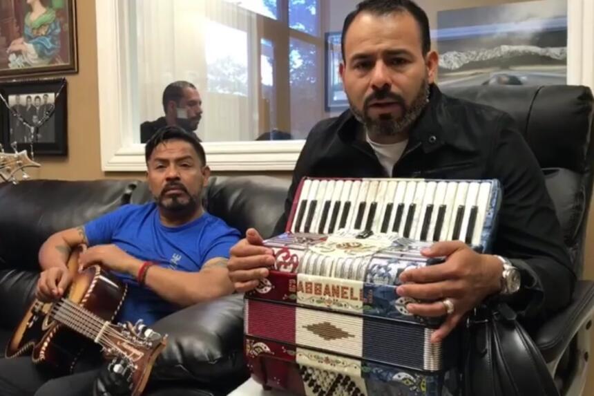 Grupos y cantantes de regional mexicano se unen para ayudar a México inq...