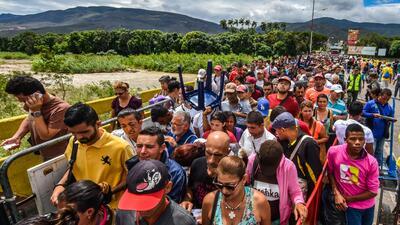 En fotos: Miles de venezolanos cruzan a diario la frontera hacia Colombia para comprar comida, trabajar o huir