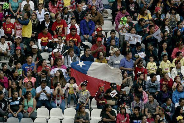 Los fans de Chile también están presentes.