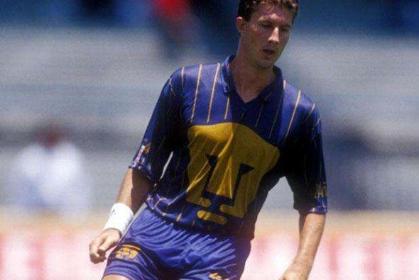 Mike Sorber: Se destacó durante la Copa Mundial USA '94 y los Pumas UNAM...