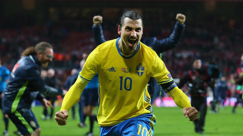Ibrahimovic dice que ya es muy tarde jugar en Inglaterra