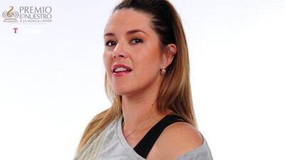 Alicia Machado sexy para Tú Preguntas de Premio Lo Nuestro.
