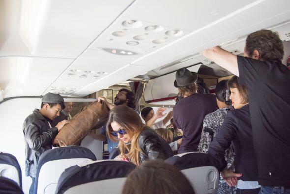 Los demás pasajeros no cabían de la sorpresa.