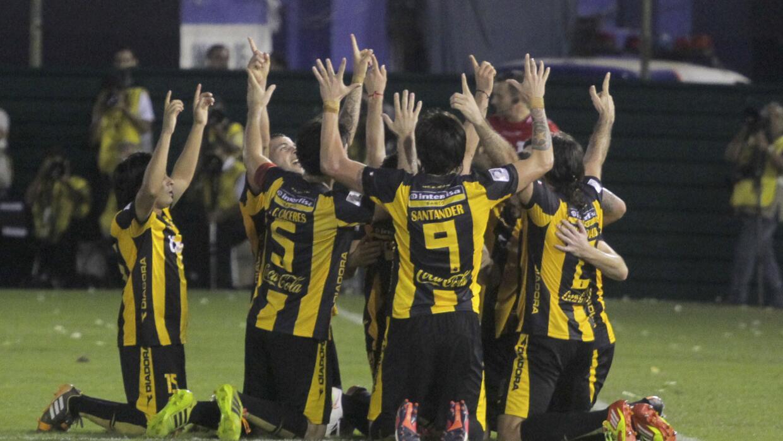 Derrotaron por la mínima a Racing con gol de Julián Benítez.
