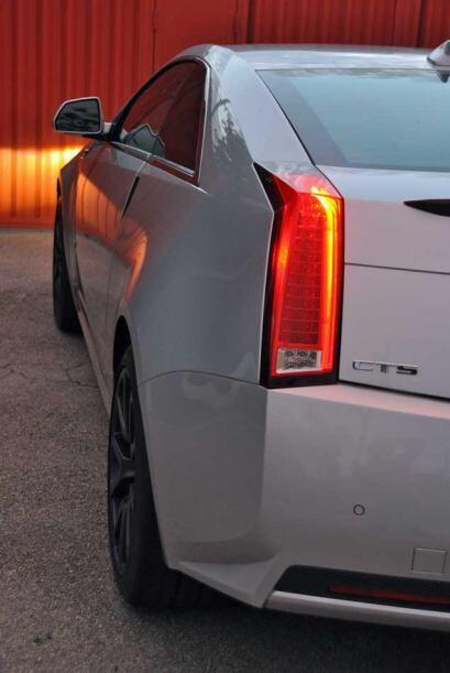 El CTS V Coupé está equipado con un motor V8 6.2 litros supercargado con...