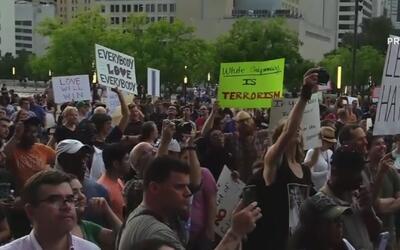 Protesta contra el racismo en Dallas terminó con pequeños altercados