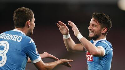 El Nápoles destroza 6-0 al Bolonia y se aferra a la lucha por el Scudetto de la Serie A