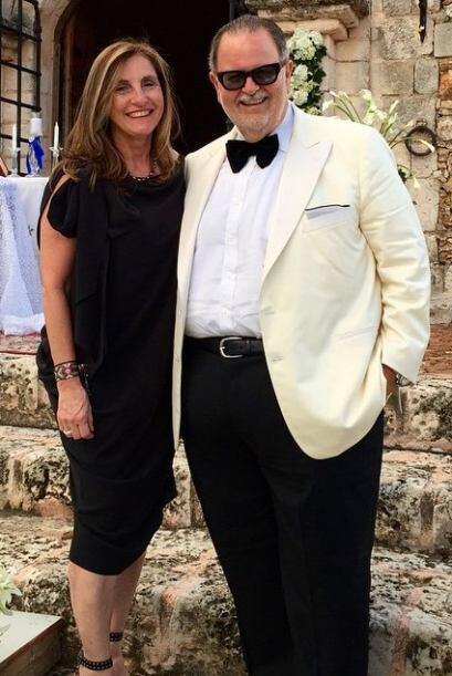 Desde luego, lo hizo acompañado de su esposa Milly de Molina.