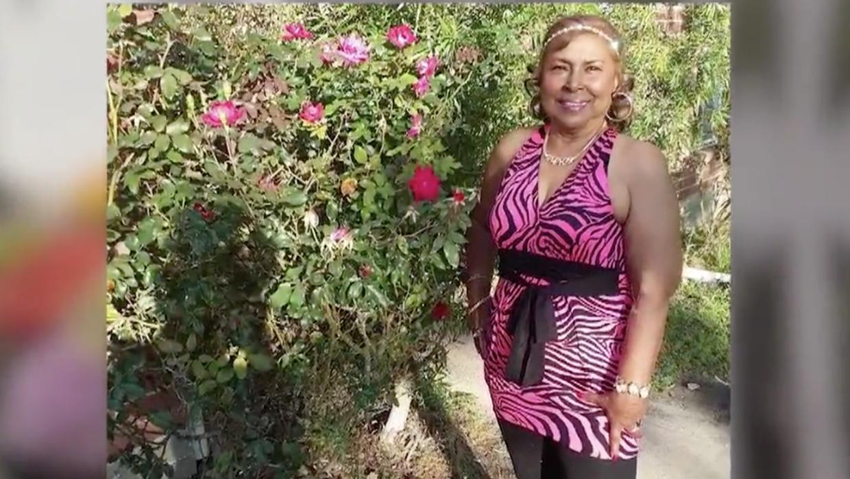 Farida Brown, de 73 años, pensó que moriría en la iglesia bautista de Su...