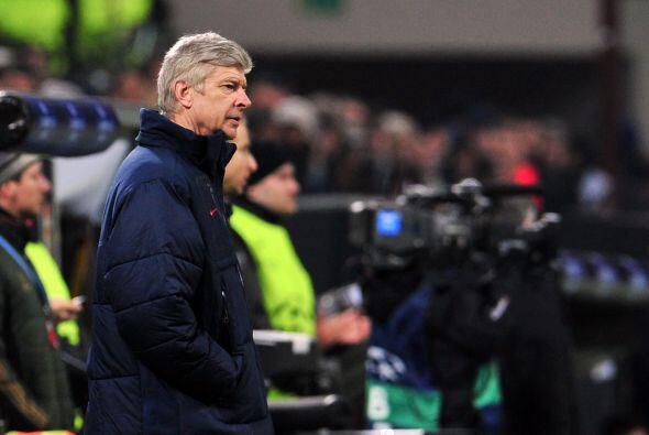 El técnico francés del Arsenal, Arsene Wenger, conf&iacute...