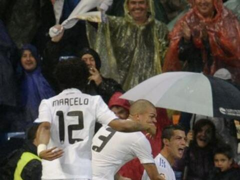 La Liga española se apretó con la victoria del Real Madrid...