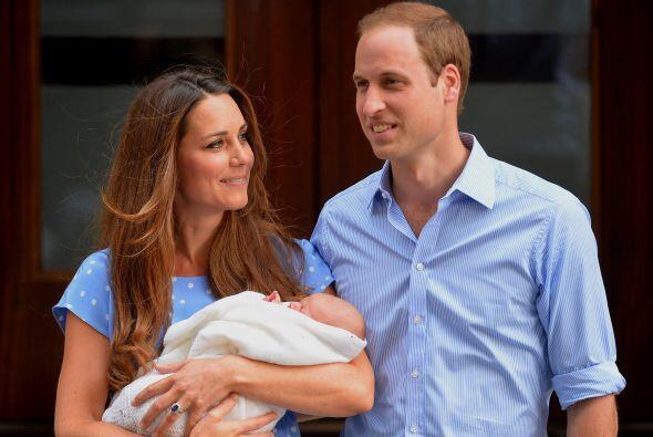 Los padrinos del heredero son siete amigos de los duques de Cambridge y...