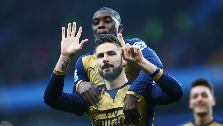 Arsenal le pega al Aston Villa de visita