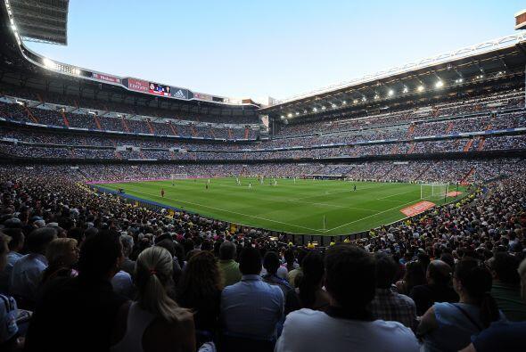 El Santiago Bernabeu estará de fiesta cuando el Real Madrid recib...