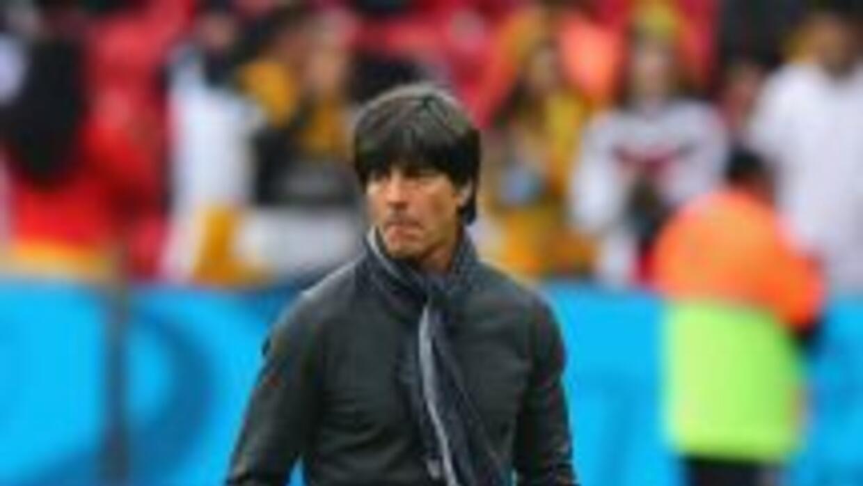 Joachim Low asegura que deben concentrarse en los jugadores brasileños y...