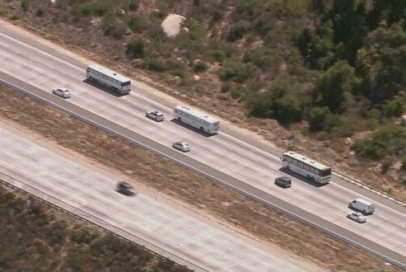 En información de última hora, los autobuses iniciaron viaje de vuelta c...