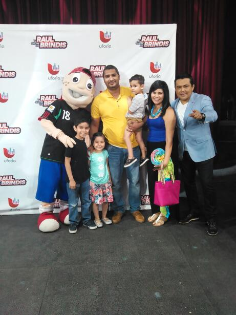 Raul Brindis y Pepito saludaron y convivieron con el público en e...
