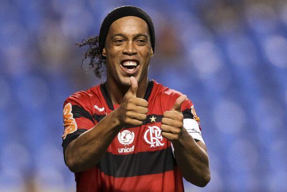 A su regreso a Brasil la racha no se vio cortada, con el Flamengo Ronald...