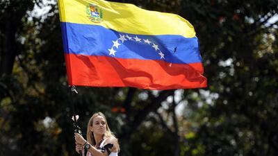 Violencia, saqueos y enfrentamientos políticos en Venezuela