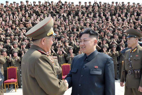 8. Kim Jong Un. El líder norcoreano Kim Jong-Un ha almacenado ent...