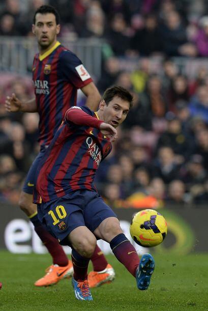 Un penalti dudoso a favor del Barcelona fue pateado por Messi.