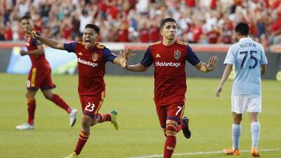 Real Salt Lake se impone al Sporting KC en un partido lleno de goles y tarjetas