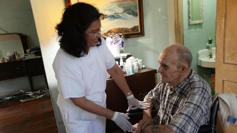 El paciente necesitará ser atendido por un médico geriatra y un neurólog...