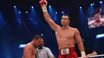 Wladimir Klitschko dejó fuera de combate al italiano en el sexto rollo.