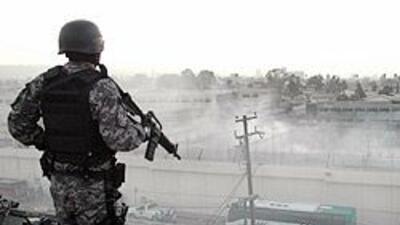 México: 13 reos se escaparon durante asalto a penal en frontera con Esta...