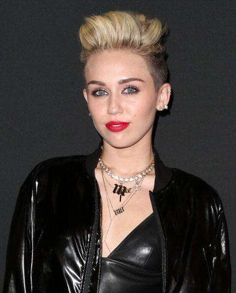 ¡Grrr! Miley Cyrus no solo lleva el fuego en las venas, sino también en...