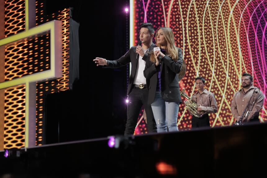 Luis Coronel y Galilea Montijo llega al escenario de TeletónUSA.