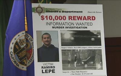 Autoridades de Los Ángeles ofrecen recompensa de 10,000 dólares por info...