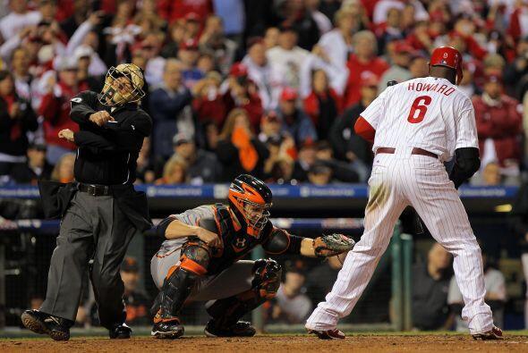 Pero al fin ponchó a la súper estrella de los Phillies Ryan Howard para...