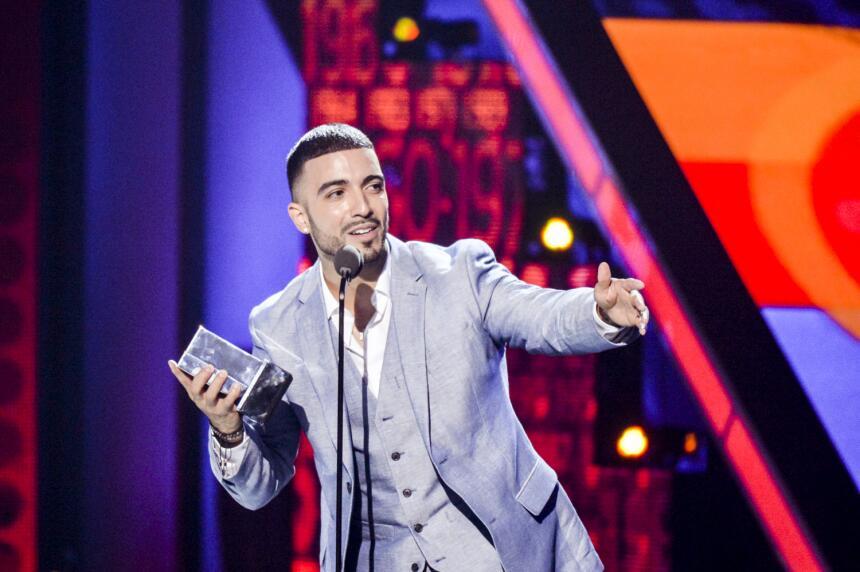 Luis Figueroa recibió un #PremioJuventud por su exitosa interpret...
