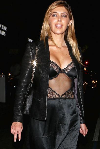 Britney, que está estrenando cabellera rubia, también lució un modelito...