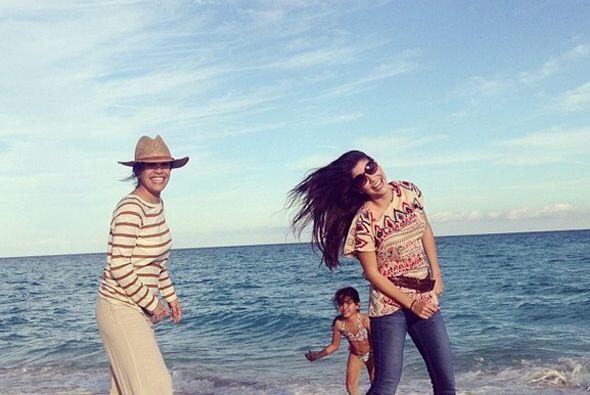 """""""#Fun I love these girls"""", compartió Ana Patricia. (Enero 26, 2014)"""