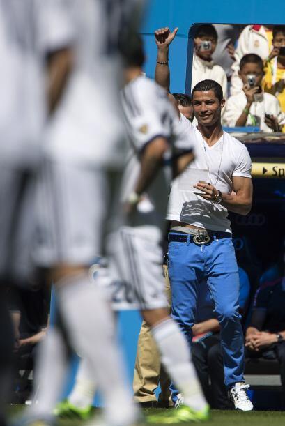 En las gradas y sin vestir de corto quedaron los otros, como Iker Casill...
