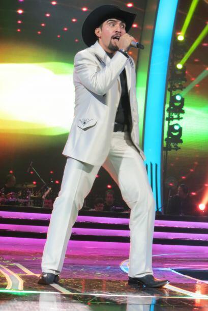 """Para la segunda gala, Enrique cantó  """"La María""""."""