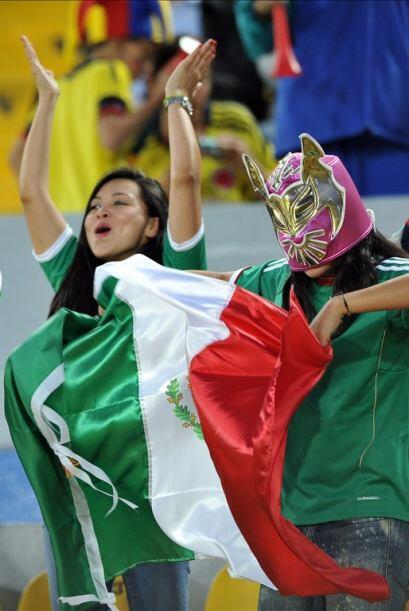 Y estos son mexicanos que festejaron de lo lindo tras vencer a los colom...
