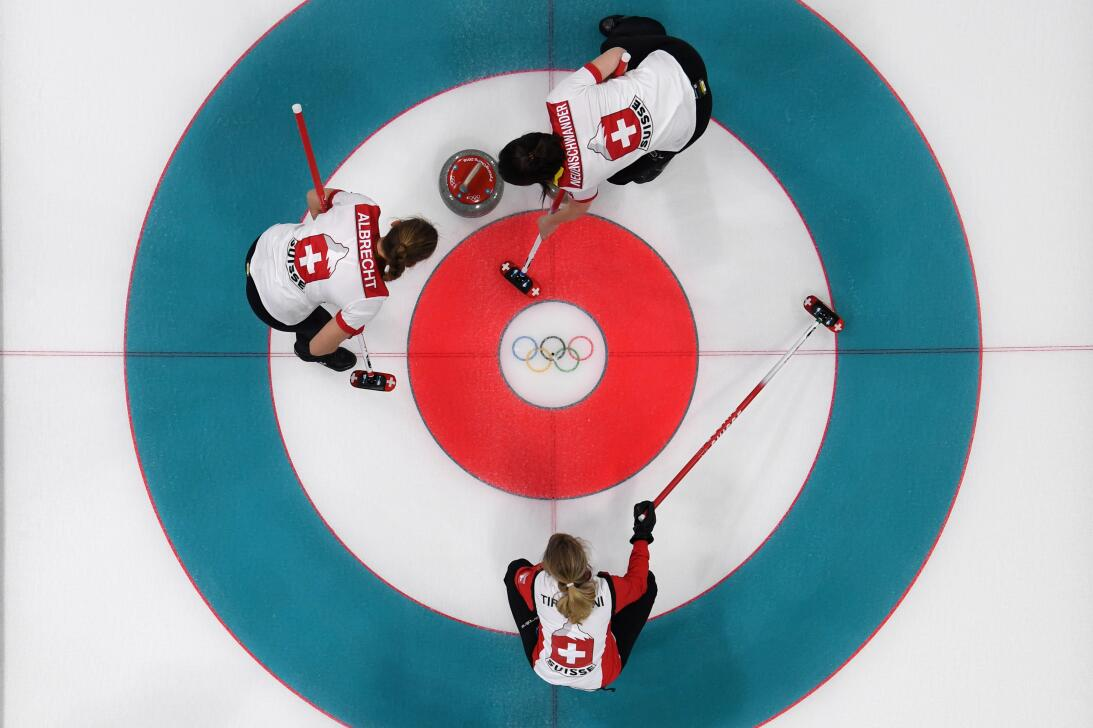 Qué es el curling, el deporte que hizo campeones olímpicos a Los Simpson...