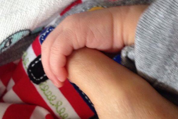 Esta es la primera imagen de Emmanuel, Ninel subió la foto a su cuenta d...