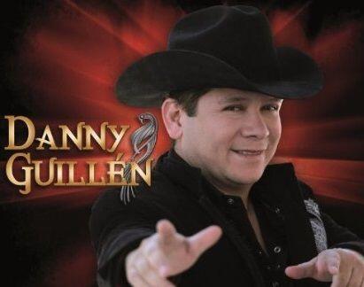 Danny Guillén está nominado como Artista Tribal del Año.