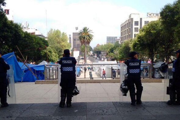 Algunos policías fueron desplegados en este Monumento.