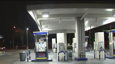 Buscan al sospechoso del robo a dos estaciones de gasolina en menos de 20 minutos